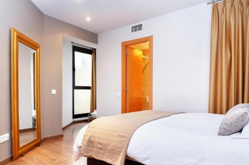 Feelathome Center Apartments photo 3