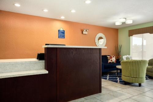Days Inn By Wyndham Jasper - Jasper, IN 47546