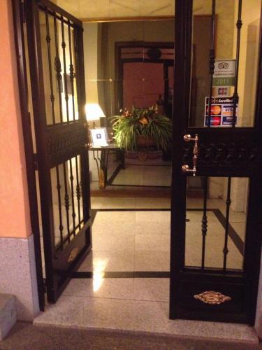 Photo - Apartamentos Caballero de Gracia