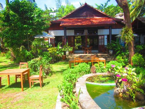 Hotel Bamboo Cottages