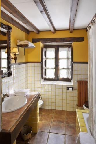 Habitación Doble Clásica - 1 o 2 camas La Corte de Lugás 11