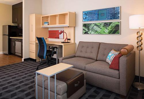 Towneplace Suites Lawrence Downtown