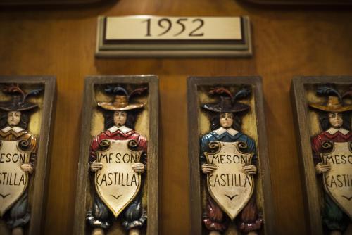 Mesón Castilla Atiram Hotels photo 3