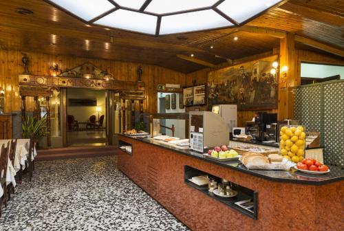 Mesón Castilla Atiram Hotels photo 7