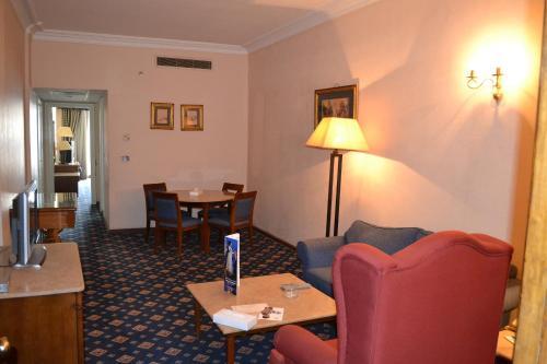 Om Kolthoom Hotel - image 6