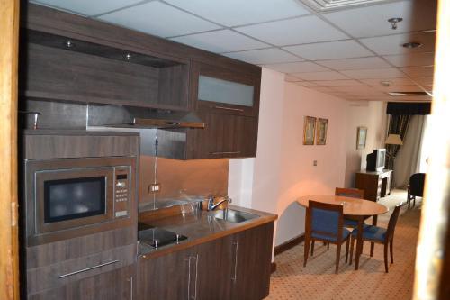 Om Kolthoom Hotel - image 3