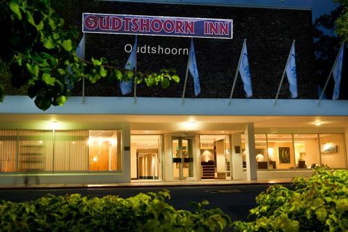 . Oudtshoorn Inn Hotel