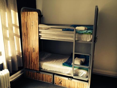 HI San Francisco Downtown Hostel Кровать в общем четырехместном номере для мужчин и женщин - С собственной ванной комнатой