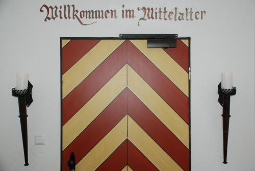 Mittelalterhotel-Gästehaus Rauchfang photo 22