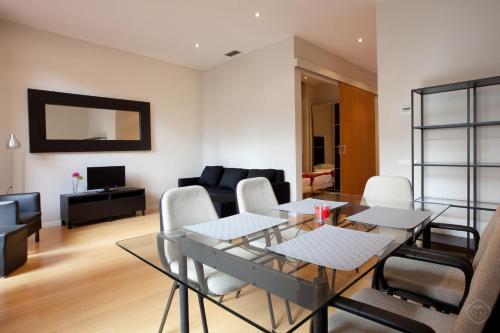 Modern Center Apartments photo 13