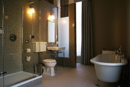 Loch Fyne Hotel and Restaurant Bath picture 1 of 15