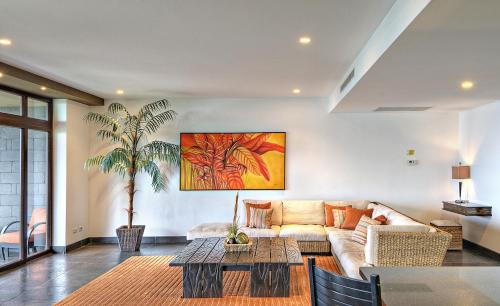 Standard Suite with Partial Ocean View (# of bedrooms available depends on # of guests reserved)