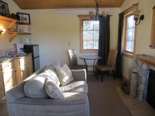 Wild Horse Inn - Fraser, CO 80442