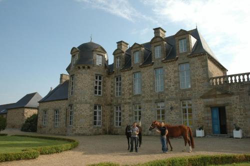 Kasteel-overnachting met je hond in Relais du Silence Château Du Bois Guy - Parigné