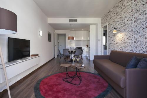 AB Bailen Apartments photo 34