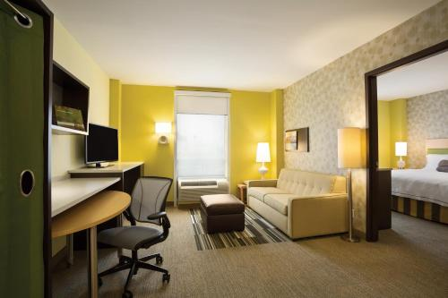 Home2 Suites Long Island City/Manhattan View - image 10