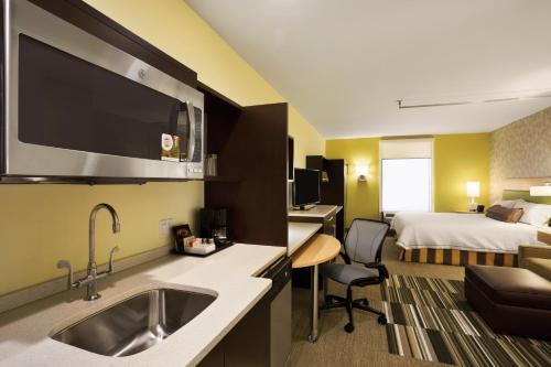 Home2 Suites Long Island City/Manhattan View - image 5