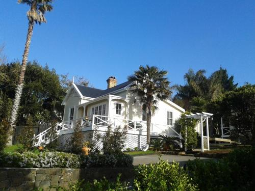 Harbour View Cottage - Accommodation - Auckland