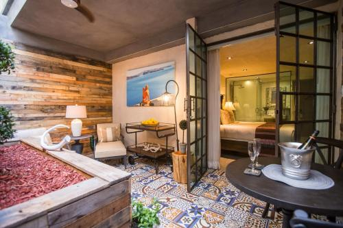 . O:Live Boutique Hotel, A Small Luxury Hotel of the World