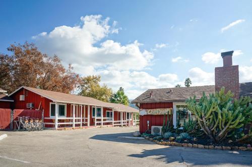 615 West Ojai Avenue, Ojai, California 93023, United States.