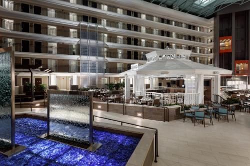 Embassy Suites Orlando/Lake Buena Vista Resort - Orlando, FL 32836