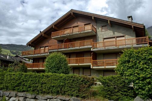 Three-Bedroom Apartment Botzatei 002 Verbier