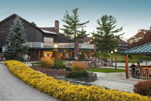 Split Rock Resort - Lake Harmony, PA 18624