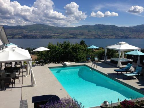 A Le Chateau du Lac (Bed and Breakfast)