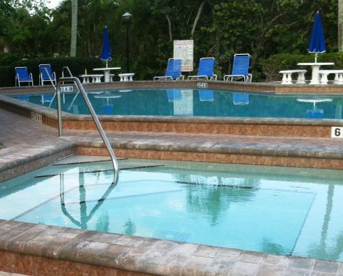Bonita Resort And Club A Vri Resort - Bonita Springs, FL 34134