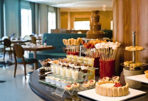 AVANI Deira Dubai Hotel photo 32