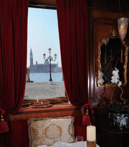 Riva degli Schiavoni, 4149, 30122 Venice, Italy.