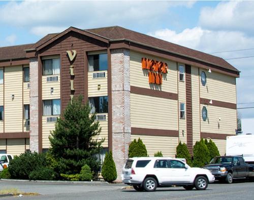 . Village Inn & Suites Marysville