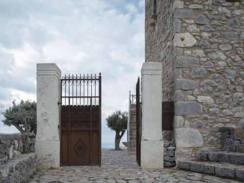 Vathia, Mani 230 62, Peloponnese, Greece.