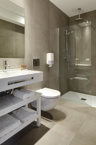 Double or Twin Room with Terrace Hotel San Prudentzio 6