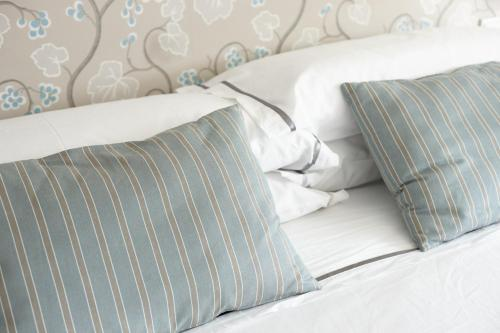 Double or Twin Room with Terrace Hotel San Prudentzio 15