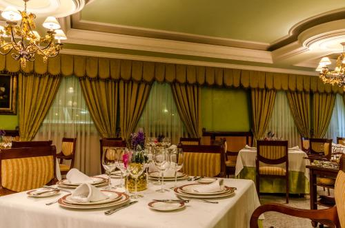 Hotel Infanta Cristina 24
