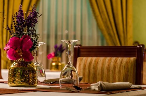 Hotel Infanta Cristina 17