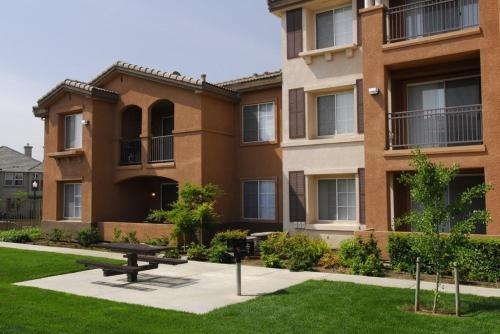 Sacramento Guest Services - Sacramento, CA 95833