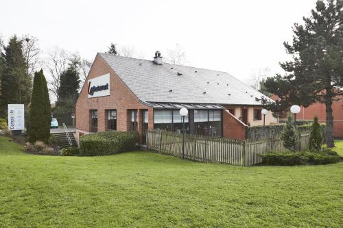 Campanile Lille Sud - CHR - Hôtel - Lille