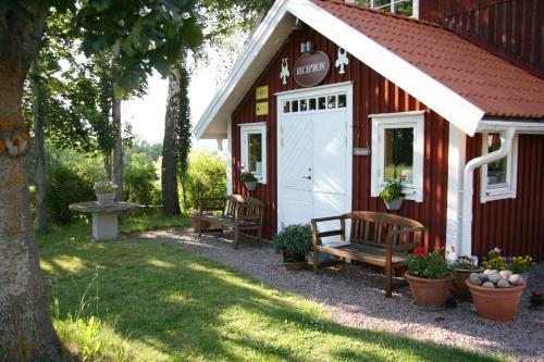 . Hornborgasjöns Stugby