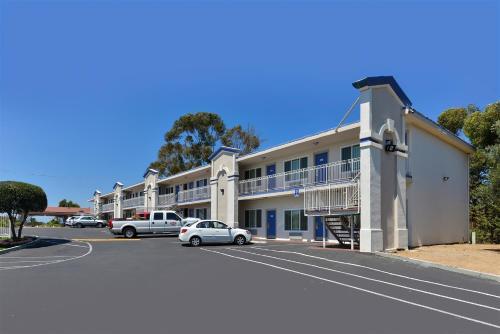 Motel 6 Vista California