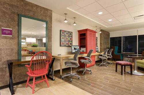Home2 Suites Pittsburgh Cranberry - Cranberry Township, PA 16066