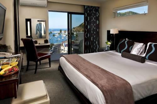 . Aurora Hotel