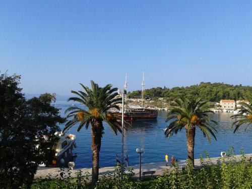 Apartments Nizetic at Waterfront, Pension in Makarska