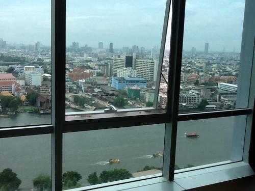 Baan Sathorn Riverfront photo 9