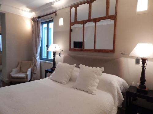 Habitación Deluxe con cama extragrande Hotel Boutique Corral del Rey 20