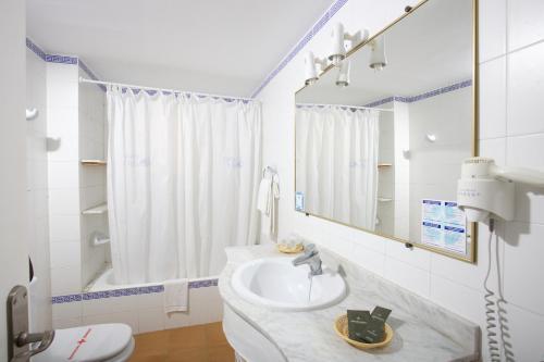 Fotos de quarto de Aparthotel Ona Cala Pi Club