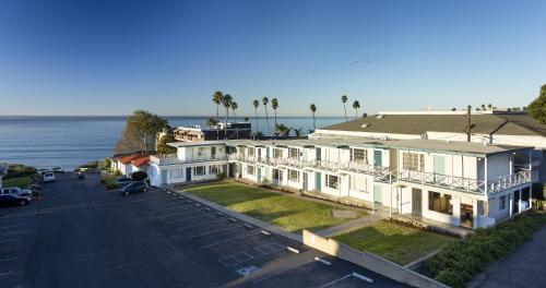Hotel Tides Oceanview Inn And Cottages