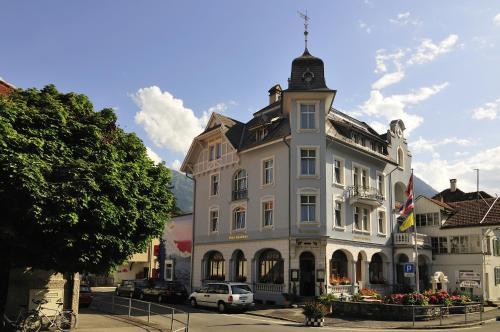 . Hotel Lötschberg