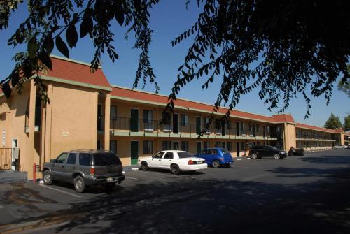 Ambassador Inn Fresno